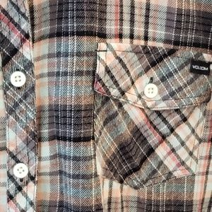 Volcom Flannel size large 100% cotton
